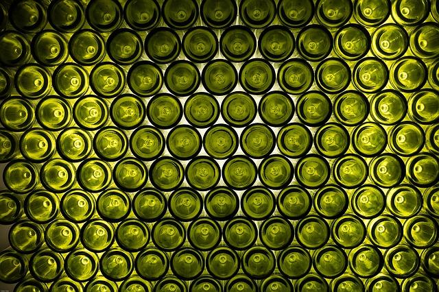 bottles-1238618_640